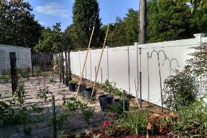 Gulf Breeze Vinyl fence